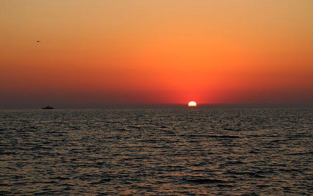 закат над Черным морем в Сочи